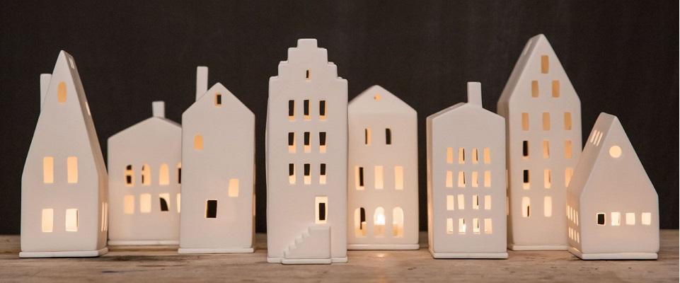 Maes boons, interieur maatwerk, inbouwkasten op maat, interieur, kast op maat, räder, raeder, decoratie, keramiek, porcelain, kerstdecoratie, maatwerk, maes boons, Kruibeke, oost vlaanderen, waasland, familiebedrijf, design, interieur archtecten, eigen atelier, kasten op maat,